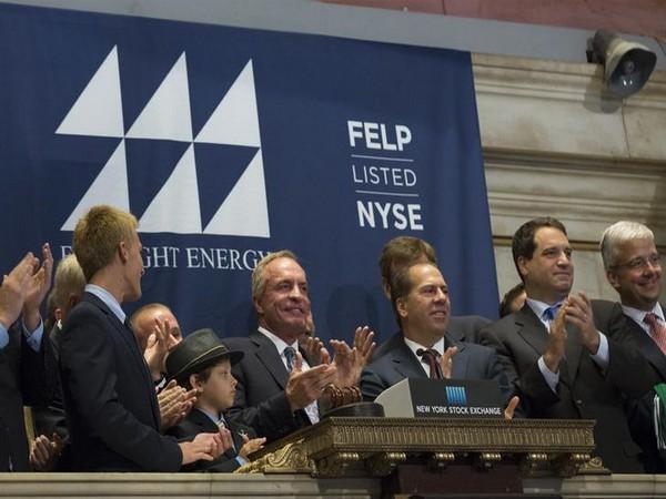 American coal tycoon Chris Cline (C) (Photo/Reuters)