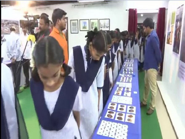 students participates in the coin festival with great enthusiasm