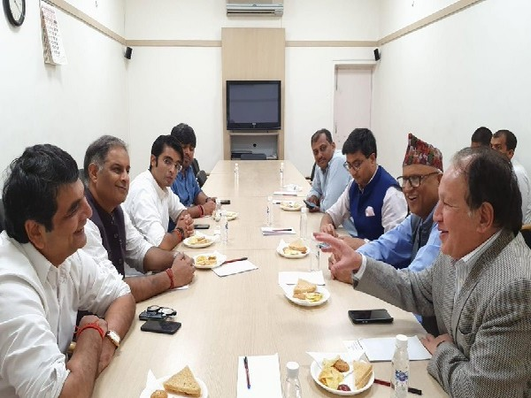 An informal meeting was held between Congress leaders and Nepali Congress leaders at AICC headquarters in New Delhi on Monday.