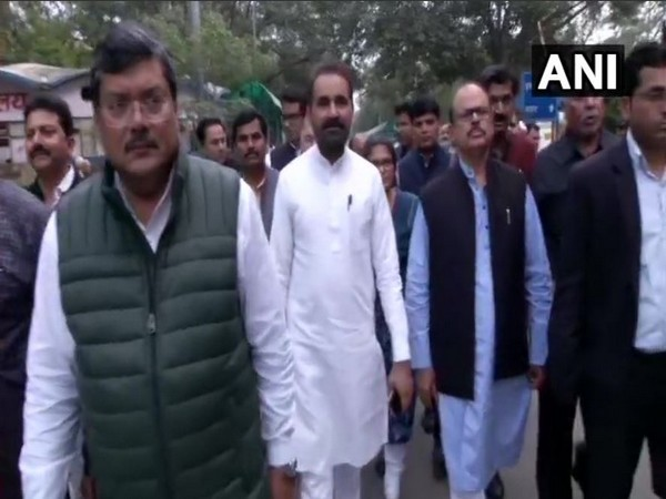 Congress delegation visit GTB hospital in Delhi. Photo/ANI