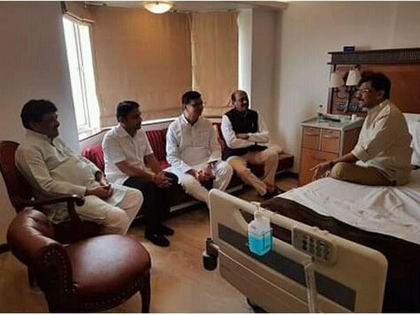 Former Chief Minister Ashok Chavan and his senior Congress colleague met Shiv Sena leader Sanjay Raut. Photo/ANI