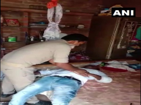 Constable saved the life of a man by giving him CPR in Hardoi on Wednesday
