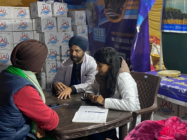 A visual from the counselling camp organised by US-based NGO, 'United Sikhs' at Singh border. (Photo/ANI)