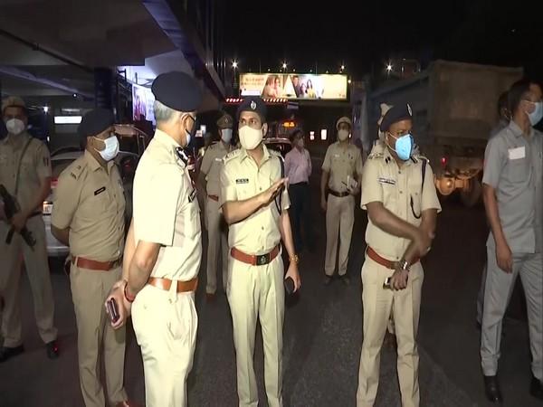 Delhi Police Commissioner SN Shrivastava inspecting the enforcement of night curfew. (Photo/ ANI)