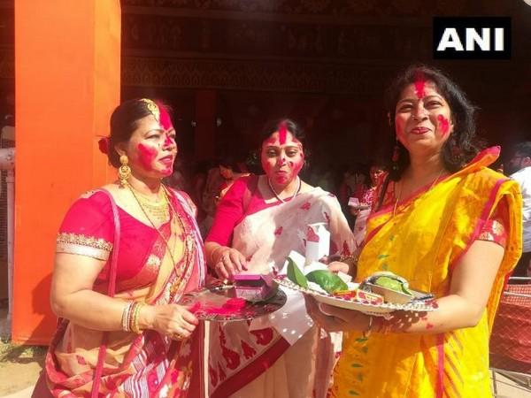 Women participated in Sindur Khela on the occasion of Vijay Dashmi in New Delhi on Tuesday. Photo/ANI