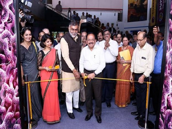 Union Minister Harsh Vardhan and MoS for Culture Independent Charge Prahlad Singh Patel jointly inaugurate the exhibition 'Superbugs: The End of Antibiotics?'in New Delhi on Friday. Photo Source (PIB)