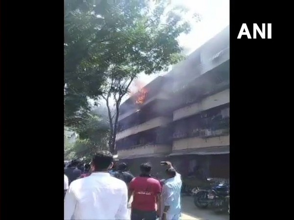 Fire broke out at a building in Dadar Police Station Compound