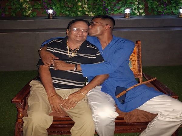 India all-rounder Hadik Pandya with his father (Photo/ Hardik Pandya Twitter)