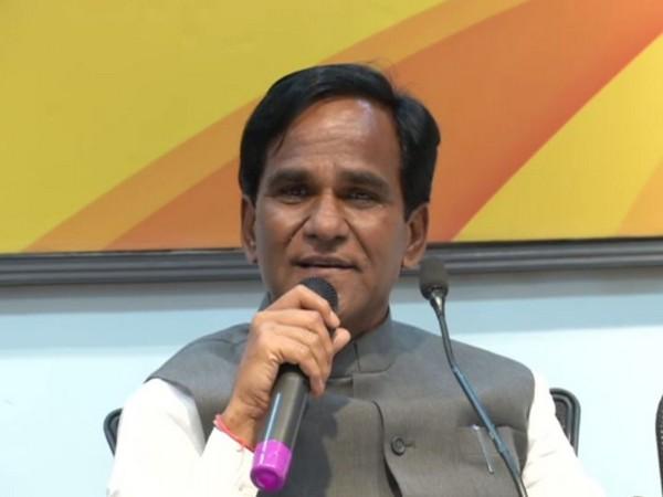BJP leader Raosaheb Danve addressing press conference in Mumbai on Monday