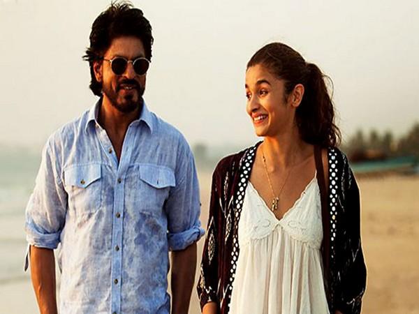 Shah Rukh Khan and Alia Bhatt (Image source: Instagram)