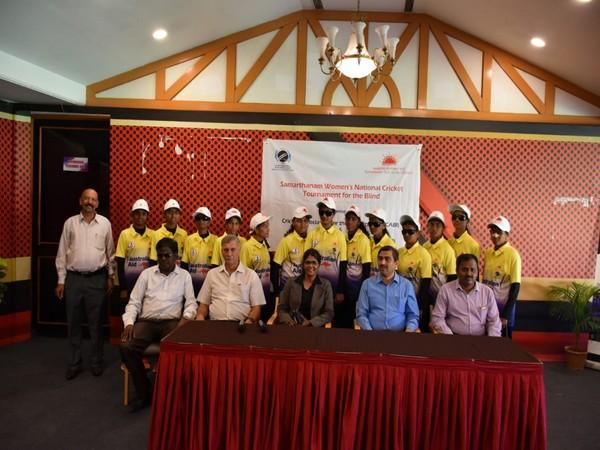 Group photo of Karnataka team with Mahantesh G K, Roger Binny, and Mamatha Maben.