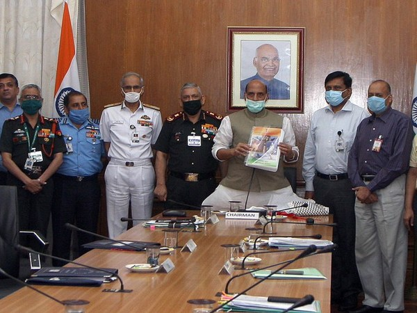 Image Source: Twitter handle of Office of the Raksha Mantri/ Defence Minister of India.