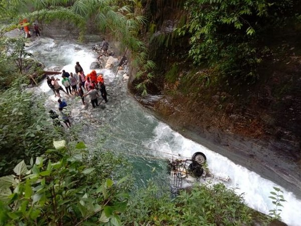 Uttarakhand: 4 killed after car falls into river