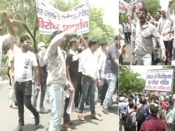 CATS employees protesting outside CM Arvind Kejriwal's residence on Monday. Photo/ANI