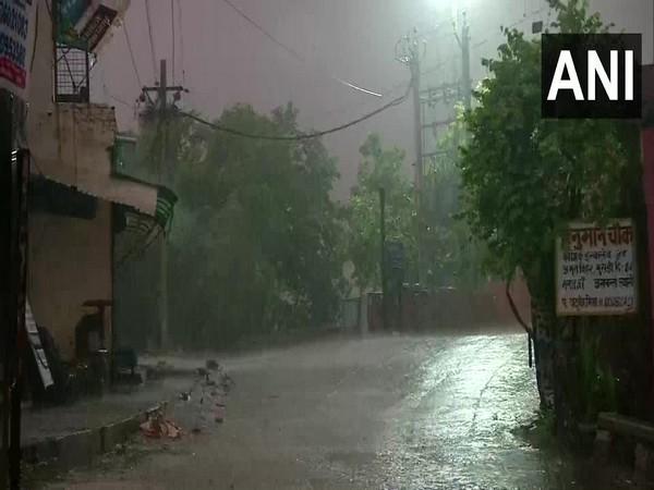 Rain lashes parts of Delhi on Monday morning, (Photo/ANI)