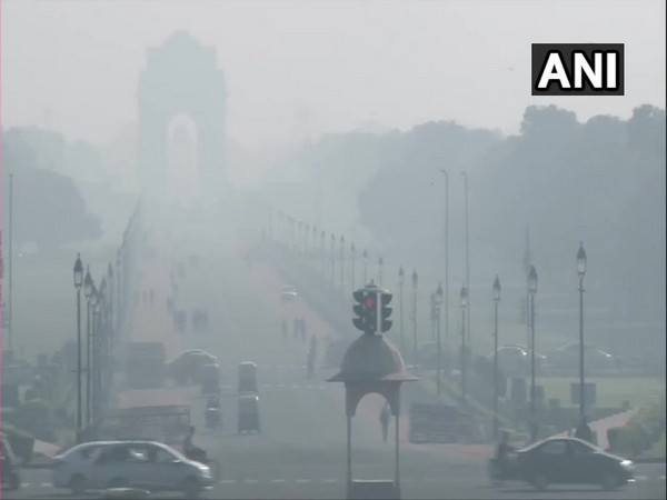 Major pollutants PM 2.5 at 178 in 'Unhealthy' category  in  India Gate [Photo/ANI]