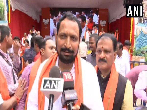 Karnataka: Deputy CM Laxman Savadi vows to make BJP stronger