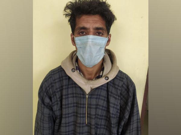 J-K police arrest Al Badr overground worker Rah Hussain Bhat (Photo/ANI)