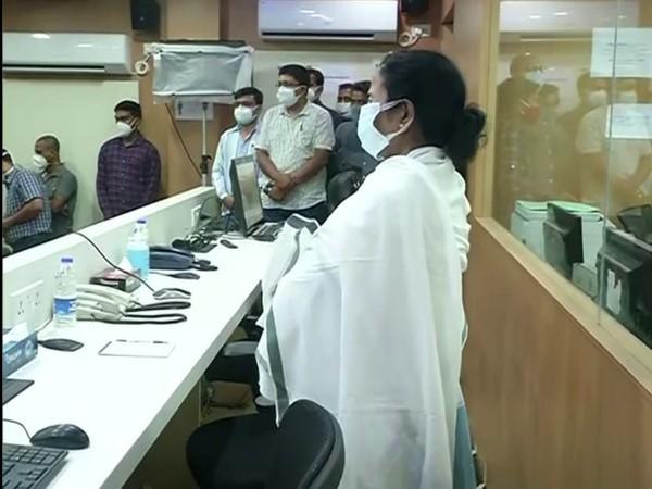 WB CM Mamata Banerjee spends night at Nabanna to keep watch on ground (photo/ANI)