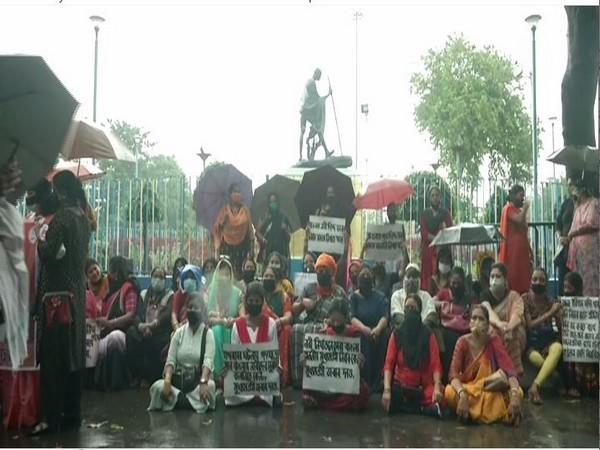 Women wing of Bharatiya Janata Party (BJP) in West Bengal protested at Gandhi Smriti in Kolkata (Photo/ANI)