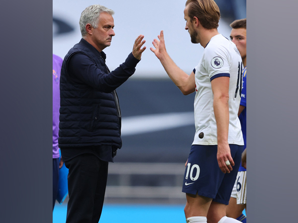 Harry Kane with Jose Mourinho (Photo/ Harry Kane Twitter)