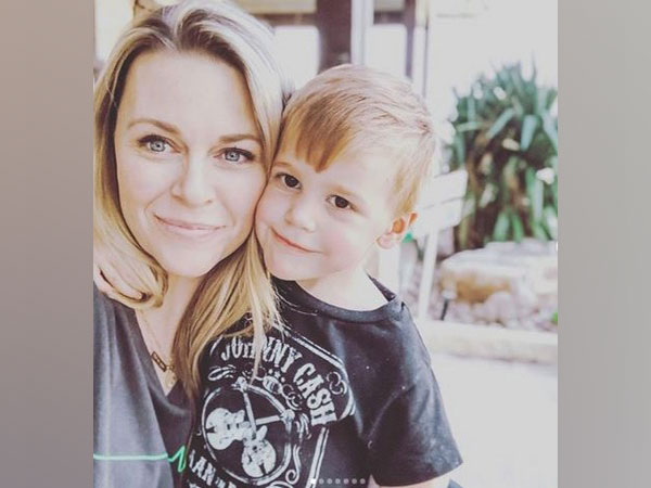 Amber Smith with her late son River Kelly Smith (Picture courtesy: Instagram)