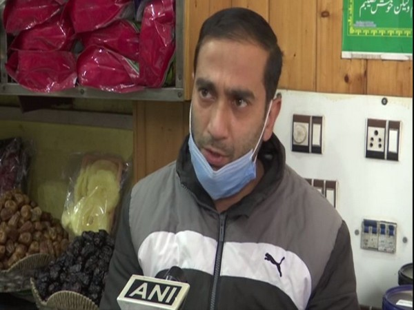 Suhail Ahmad, a dates seller in Jammu and Kashmir speaking to ANI. (Photo/ANI)
