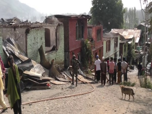 Noorbagh area of Baramulla district where the fire broke out on Thursday night. (Photo/ANI)