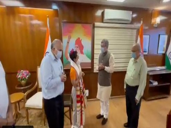 Railway Minister Ashwini Vaishnaw felicitates Olympics medallist Mirabai Chanu (Photo/ANI)
