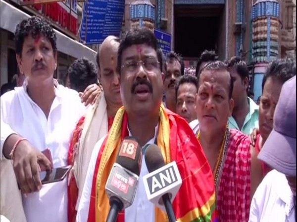 Union Minister Dharmendra Pradhan offered prayers at Jagannath temple in Puri, Odisha, on Sunday. Photo/ANI