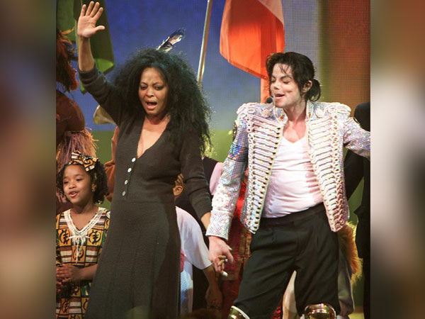 Diana Ross and Michael Jackson at a performance from 2002