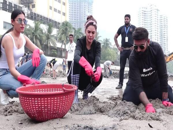 Esha Gupta and Naveli Deshmukh