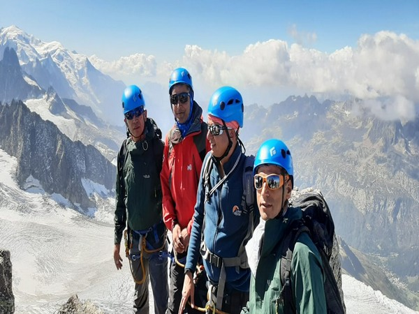 5 members from India and 7 from the French team successfully scaled Mountain peak Mont Blanc in France on September 22.