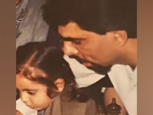 Childhood picture of Ayushmann Khurrana with his father. (Image Source: Instagram)
