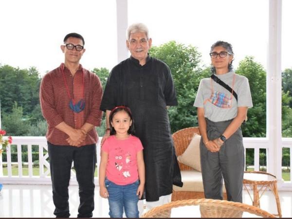 Aamir Khan, Kiran Rao meet J&K Lt Gov Manoj Sinha (Image source: Twitter)