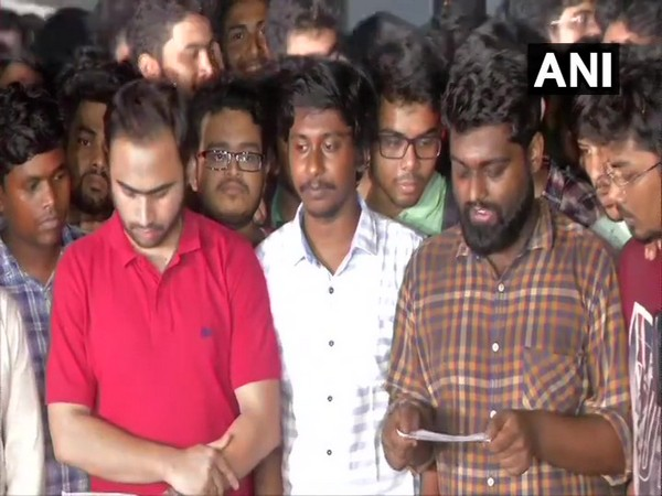 Junior doctors of NRS Hospital, Kolkata, on Monday evening announcing the calling off their strike. Photo/ANI