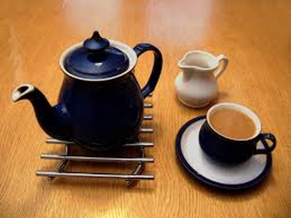 The healthy life by drinking tea at least three days a week
