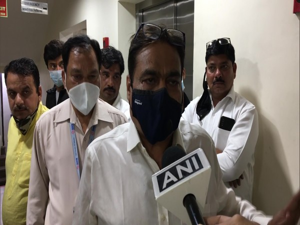 Hospital director DNS Hospital in Indore talking to ANI after Kamal Nath had a narrow escape when an elevator on Sunday. (Photo/ANI)
