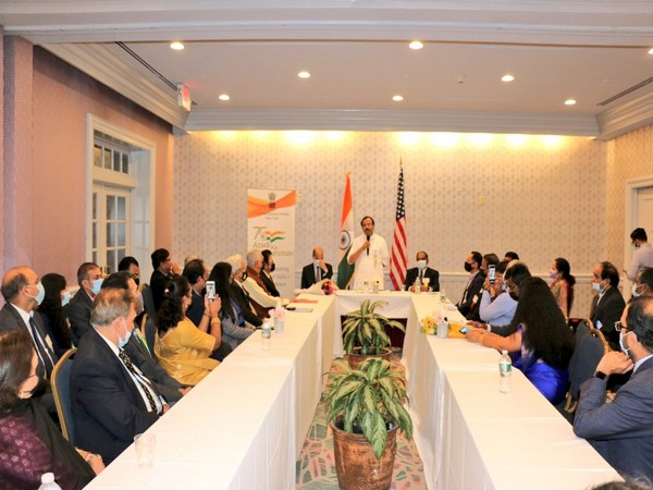 MoS Muraleedharan engages with Indian community in Connecticut [@MOS_MEA]