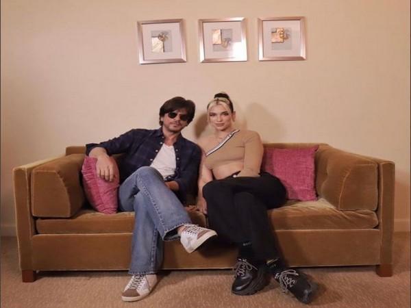Shah Rukh Khan and Dua Lipa (Image courtesy: Twitter)