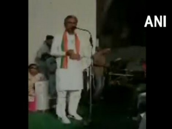 BJP candidate Dudaram Bishnoi addressing a public gathering at Fatehabad , Haryana on Wednesday