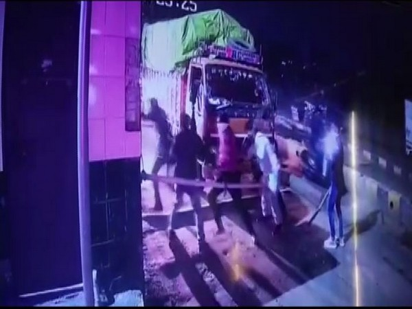 Visuals from CCTV footage of the vandalism in Indore toll plaza (Photo/ANI)