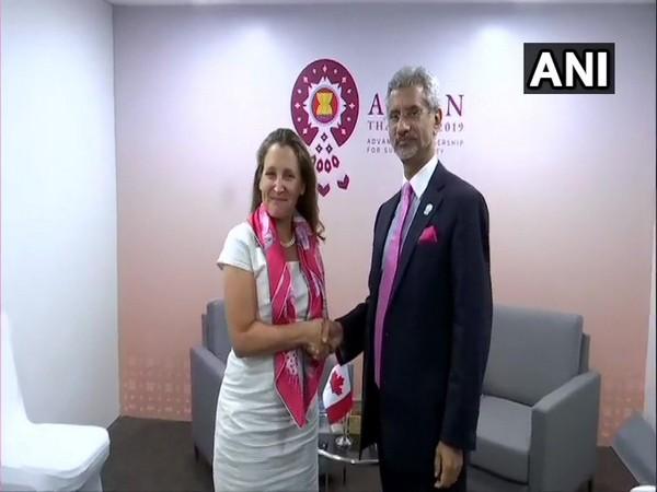 Canadian Foreign Minister Chrystia Freeland (L) and External Affairs Minister S Jaishankar (R) in Bangkok on August 2 (Photo/ANI)