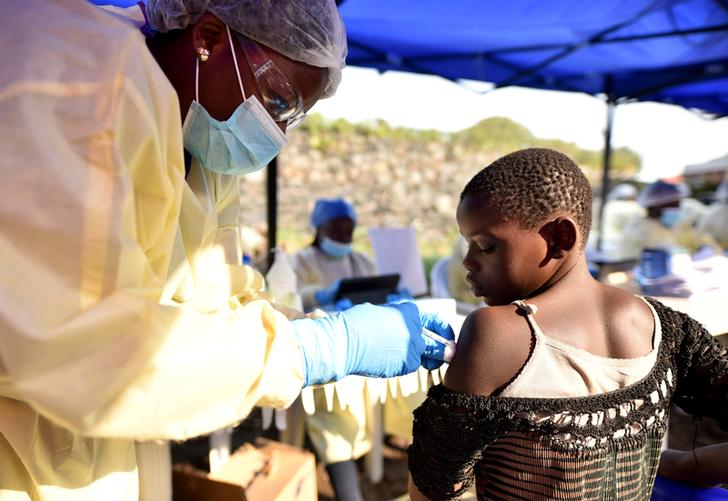 A health worker administering an Ebola vaccine in Goma, DR Congo on July 17 (Photo/Reuters)