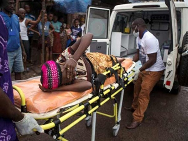 A woman being taken away on a stretcher after contracting Ebola virus in Kinshasa, DR Congo (File photo)