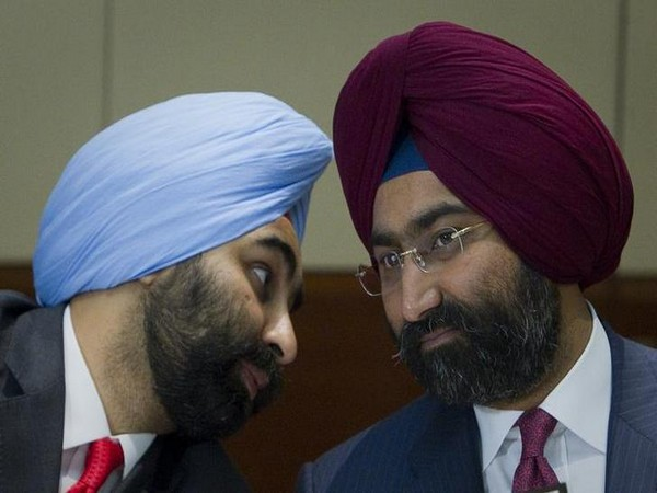 Malvinder Mohan Singh and his brother Shivinder Singh. File photo/ANI