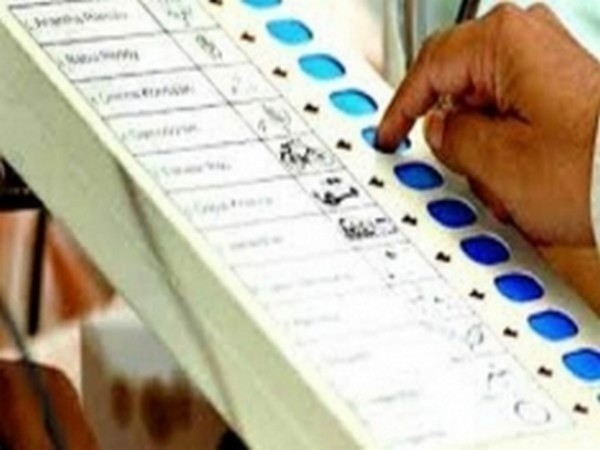 Samasitpur Lok Sabha seat in Bihar recorded 38 per cent voting by 4 pm while Satara in Maharashtra recorded 48.04 per cent.