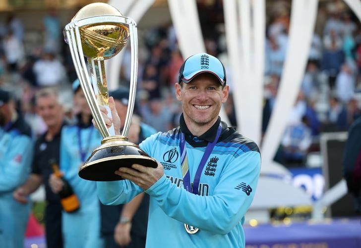 England skipper Eoin Morgan with World Cup trophy.