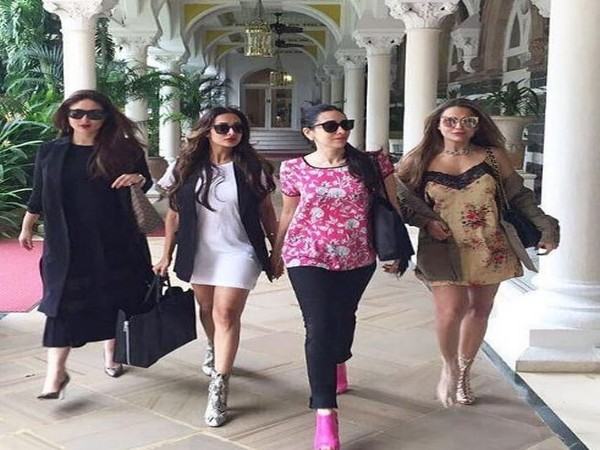 Kareena Kapoor Khan, Malaika Arora, Karisma Kapoor and Amrita Arora, (Image Source: Instagram)