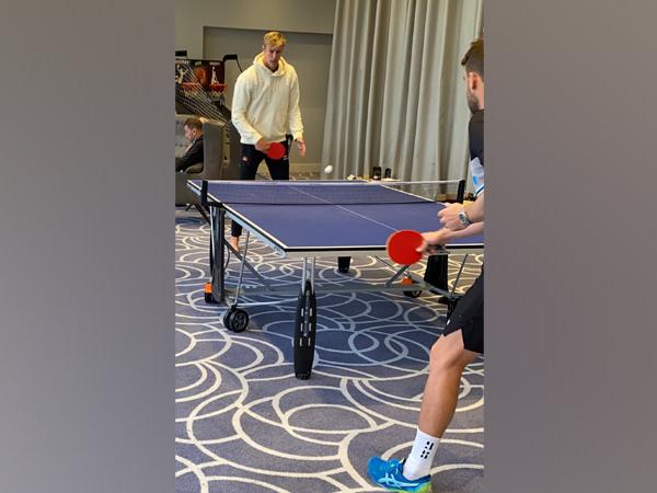 Kyle Jamieson plays table tennis (Photo/ BlackCaps Twitter)